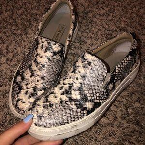 steve madden snake skin shoes